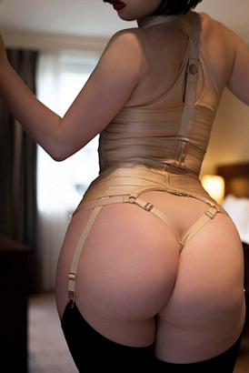 Young sexy Italian escort from Rome now in London